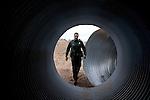 Border Patrol agent Luis Chavez during his daily rounds..Nogales, AZ.12/10/05.photos: Hector Emanuel
