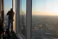 milano, il grattacielo nuova sede della regione lombardia aperta per visita ai cittadini --- milan, the new skyscraper headquarter of Lombardy Region authority open for visits