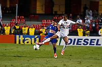 ATENÇÃO EDITOR: FOTO EMBARGADA PARA VEÍCULOS INTERNACIONAIS SÃO PAULO,SP,23 SETEMBRO 2012 - CAMPEONATO BRASILEIRO - SÃO PAULO x CRUZEIRO - Lucas jogador do São Paulo  durante partida São Paulo x Cruzeiro  válido pela 26º rodada do Campeonato Brasileiro no Estádio Cicero Pompeu de Toledo  (Morumbi), na região sul da capital paulista na tarde deste domingo (23). (FOTO: ALE VIANNA -BRAZIL PHOTO PRESS).