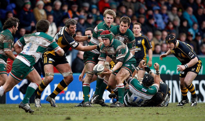 Photo: Richard Lane/Richard Lane Photography..Leicester Tigers v London Wasps. Guinness Premiership. 29/03/2008. Tigers' Marcos Ayerza passes the ball.
