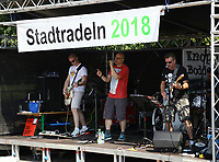 Band Knopp uffem Bodden tritt beim Finale des Stadtradelnd und der Siegerehrung des MöWathlon auf - Mörfelden-Walldorf 15.07.2018: 10. MöWathlon