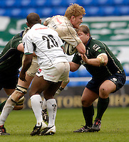 Reading, ENGLAND, Sarries,  Hugh Vyvyan breaking through, during the London Irish vs Saracens, Guinness Premiership Rugby, at the, Madejski Stadium, 06.05.2006, © Peter Spurrier/Intersport-images.com,  / Mobile +44 [0] 7973 819 551 / email images@intersport-images.com.