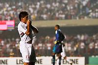 ATENÇÃO EDITOR: FOTO EMBARGADA PARA VEÍCULOS INTERNACIONAIS SÃO PAULO,SP,15 SETEMBRO 2012 - CAMPEONATO BRASILEIRO - SÃO PAULO x PORTUGUESA - Osvaldo jogador do São Paulo comemoera gol  durante partida São Paulo x Portuguesa  válido pela 25º rodada do Campeonato Brasileiro no Estádio Cicero Pompeu de Toledo  (Morumbi), na região sul da capital paulista na noite deste sabado (15). (FOTO: ALE VIANNA -BRAZIL PHOTO PRESS).