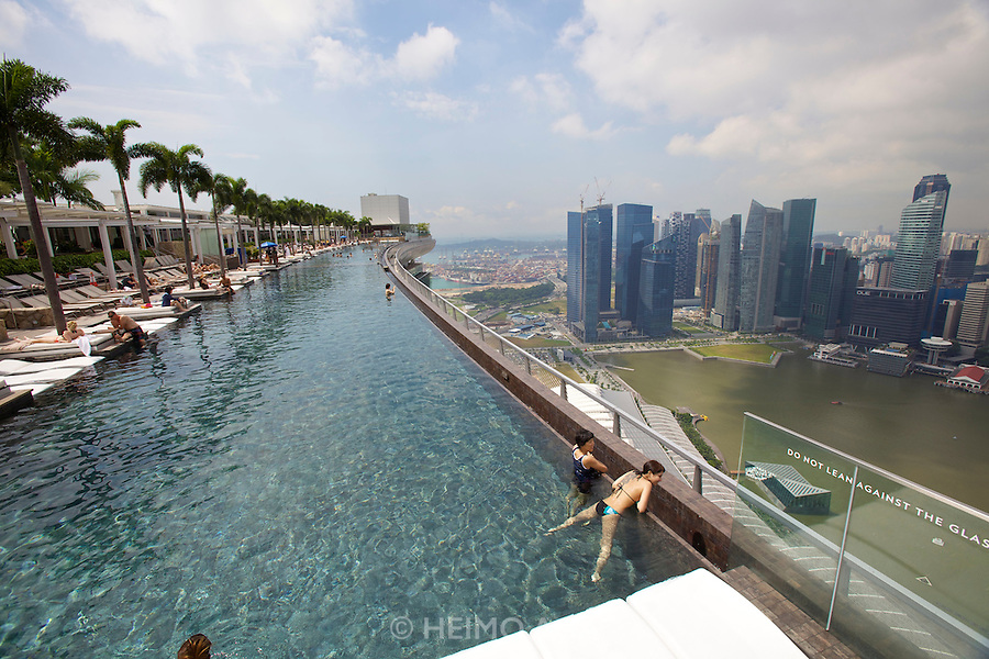 Singapore heimo aga - Marina bay sands resort singapore swimming pool ...