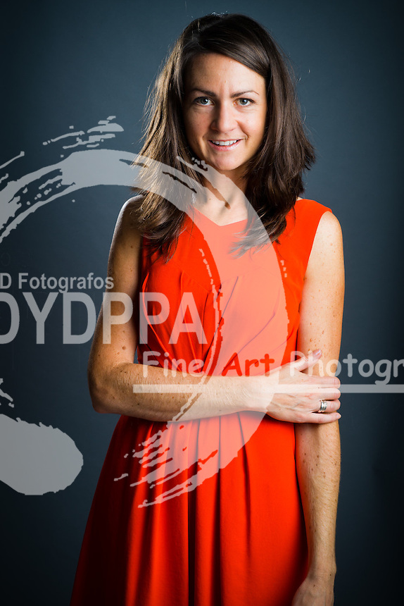Portraits of Best Selling author Polly Courtney. She is an ex banker and is now an English author and media commentator. She is best known as the author of the novels Golden Handcuffs and Poles Apart. London, United Kingdom. Monday, 9th September 2013. Picture by Andrew Parsons / i-Images/DyD Fotografos-DYDPPA