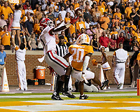KNOXVILLE, TN - OCTOBER 5: George Pickens #1 of the Georgia Bulldogs is unable to catch a pass while defended by Bryce Thompson #20 of the Tennessee Volunteers during a game between University of Georgia Bulldogs and University of Tennessee Volunteers at Neyland Stadium on October 5, 2019 in Knoxville, Tennessee.