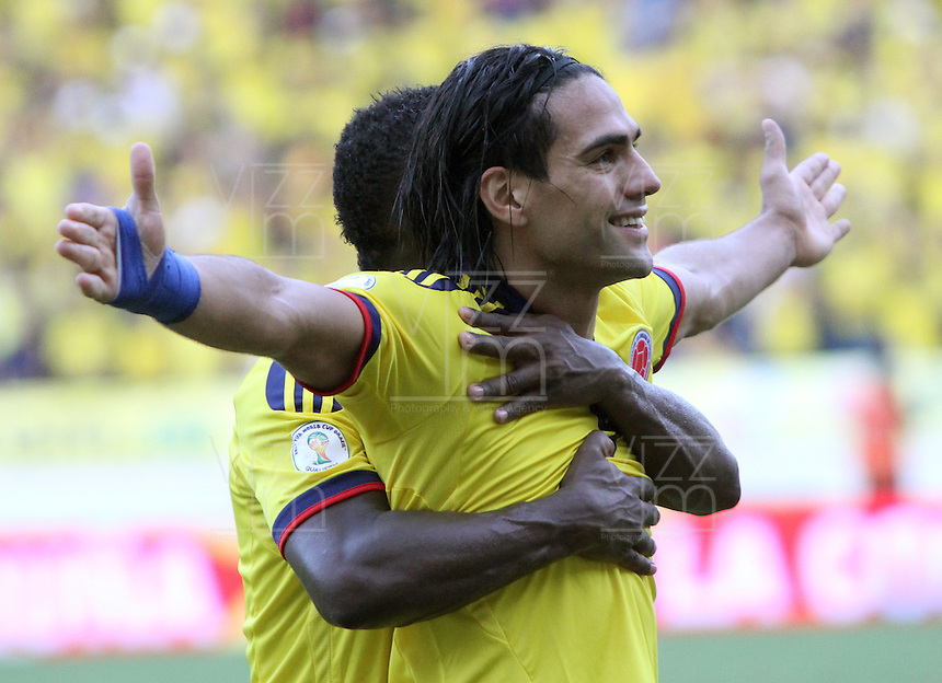 BARRANQUILLA-COLOMBIA.12-10-2012.Radamel Falcao García jugador  de la selección Colombia de fútbol de mayores.Encuentro con Paraguay ..Eliminatorias Brasil 2014.Radamel Falcao Garcia player of Colombia soccer team in action .Macht Colombia between Paraguay.Brazil 2014 World Cup.Photo:VizzorImage/Felipe Caicedo. .