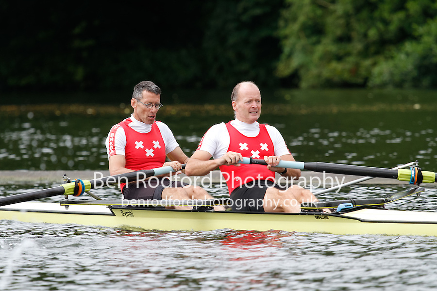 MasD.2- QF -  Berks: 126 Duluth RC (USA) -  Bucks: 127 RV Breda (NED)<br /> <br /> Friday - Henley Masters Regatta 2016<br /> <br /> To purchase this photo, or to see pricing information for Prints and Downloads, click the blue 'Add to Cart' button at the top-right of the page.
