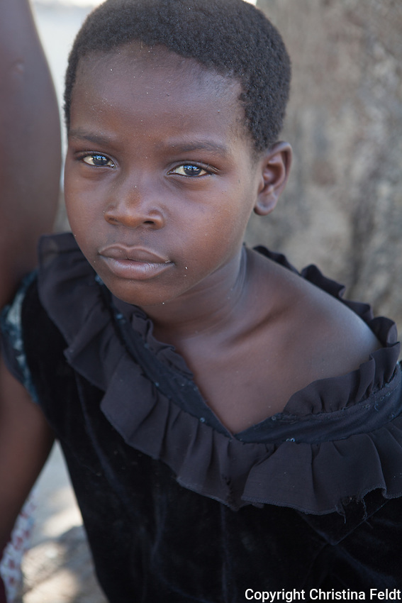 Rita Sebastiao is 9 years old, deaf-dumb since birth, and lives in Mutua, Sofala province, Mozambique together with her family. Handicap International supports Rita with school material and provided her access to an inclusive school.