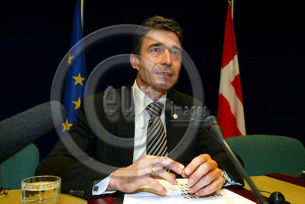 BRUSSELS - BELGIUM - 17 DECEMBER 2004 -- EU-Summit with Heads of State hosted by the Dutch Presidency. -- The Danish Prime Minister Anders FOGH RASMUSSEN at the national press briefing after the summit.-- PHOTO: ERIK LUNTANG / EUP-IMAGES