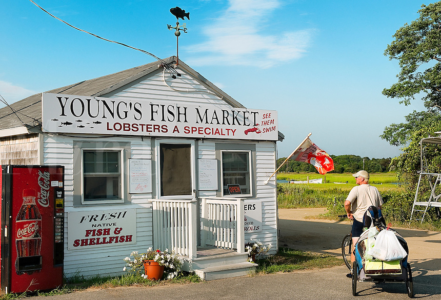 Young's Fish Market, Rock Harbor, Orleans, Cape Cod, MA, USA