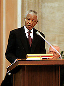 Washington, DC - September 23, 1998 -- President Nelson Mandela of South Africa speaks after receiving the Congressional Gold Medal at a ceremony in the United States Capitol Rotunda on Wednesday, September 23, 1998...Credit: Ron Sachs / CNP