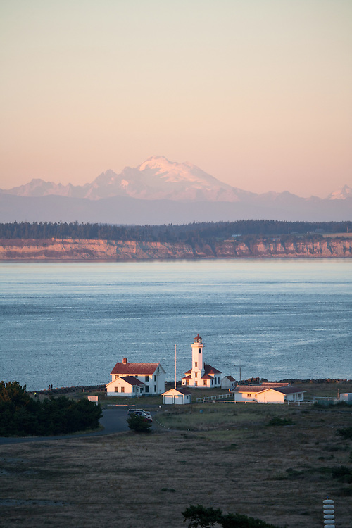 Port Townsend, Mount Baker, Point Wilson lighthouse, Fort Worden State Park, Cascade Mountains, Puget Sound, Washington State, Pacific Northwest, United States,