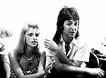 Wings 1973 Linda and Paul McCartney.© Chris Walter.