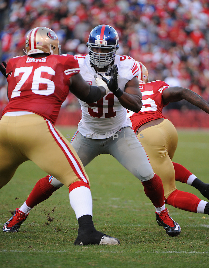 JUSTIN TUCK, of the New York Giants, in action during the Giants game against the San Francisco 49ers on November 13, 2011 at Candlestick Park in San Francisco, CA. The 49ers beat the Giants 27-20.