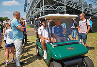 Netherlands, Rosmalen , June 10, 2015, Tennis, Topshelf Open, Autotron, Robin Haase (NED) comes from the court and is transporten to the dressing room in a buggy<br /> Photo: Tennisimages/Henk Koster
