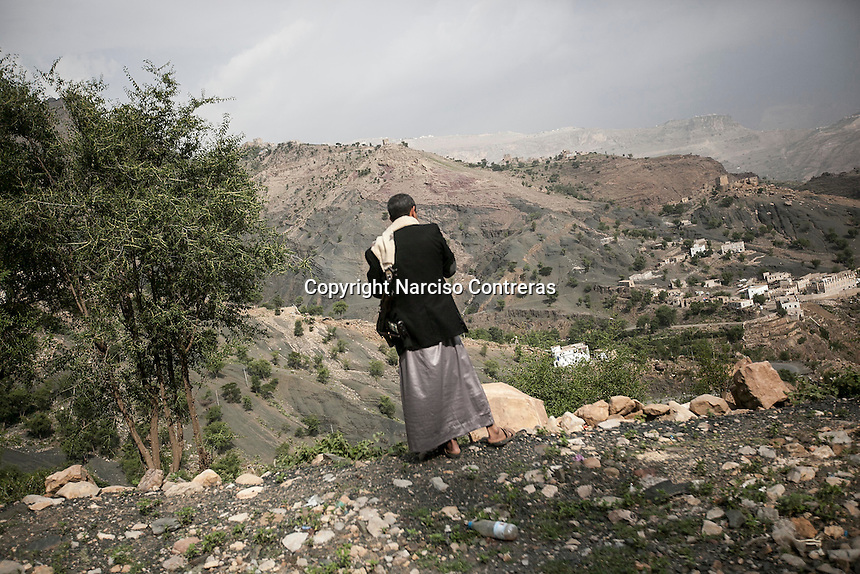 July 05, 2015 - Amran, Yemen: A Houthi militiaman is seen at the outskirts of Amran, a small city under influence of the Houthi movement and subjected to heavy bombardments by the Saudi-led coalition. (Photo/Narciso Contreras)
