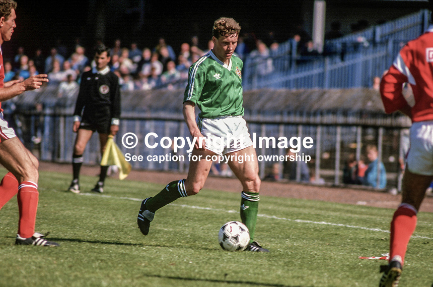 Danny Wilson, footballer, N Ireland, Luton Town, 19880509DW3.<br />