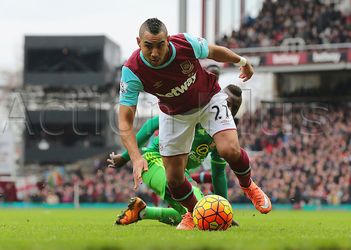 27.02.2016. Boleyn Ground, London, England. Barclays Premier League. West Ham versus Sunderland. West Ham United Midfielder Dimitri Payet turns on the ball and beats Sunderland Forward Dame N'Doye