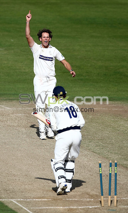 PICTURE BY VAUGHN RIDLEY/SWPIX.COM - Cricket - LV County Championship - Yorkshire v Hampshire, Day 2 - Headingley, Leeds, England - 24/09/09...Copyright - Simon Wilkinson - 07811267706...Yorkshire's Deon Kruis celebrates bowling Hampshire's David Griffiths.