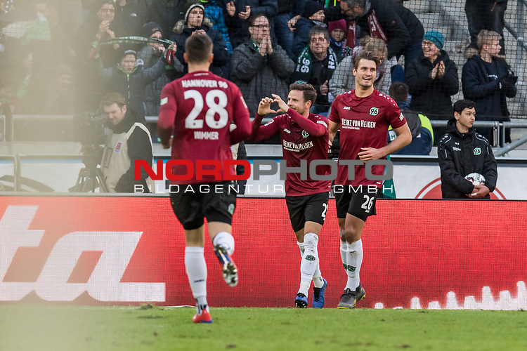 09.02.2019, HDI Arena, Hannover, GER, 1.FBL, Hannover 96 vs 1. FC Nuernberg<br /> <br /> DFL REGULATIONS PROHIBIT ANY USE OF PHOTOGRAPHS AS IMAGE SEQUENCES AND/OR QUASI-VIDEO.<br /> <br /> im Bild / picture shows<br /> Jubel 1:0, Nicolai M&uuml;ller / Mueller (Neuzugang Hannover 96 #21) bejubelt seinen Treffer zum 1:0 kurz vor Halbzeitpfiff, <br /> <br /> Foto &copy; nordphoto / Ewert