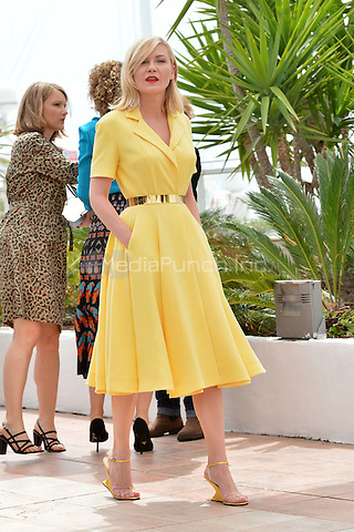 Kirsten Dunst at  the Jury Photocall during the 69th Annual Cannes Film Festival at the Palais des Festivals on May 11, 2016 in Cannes, France.<br /> CAP/LAF<br /> &copy;Lafitte/Capital Pictures /MediaPunch ***NORTH AMERICA AND SOUTH AMERICA ONLY***