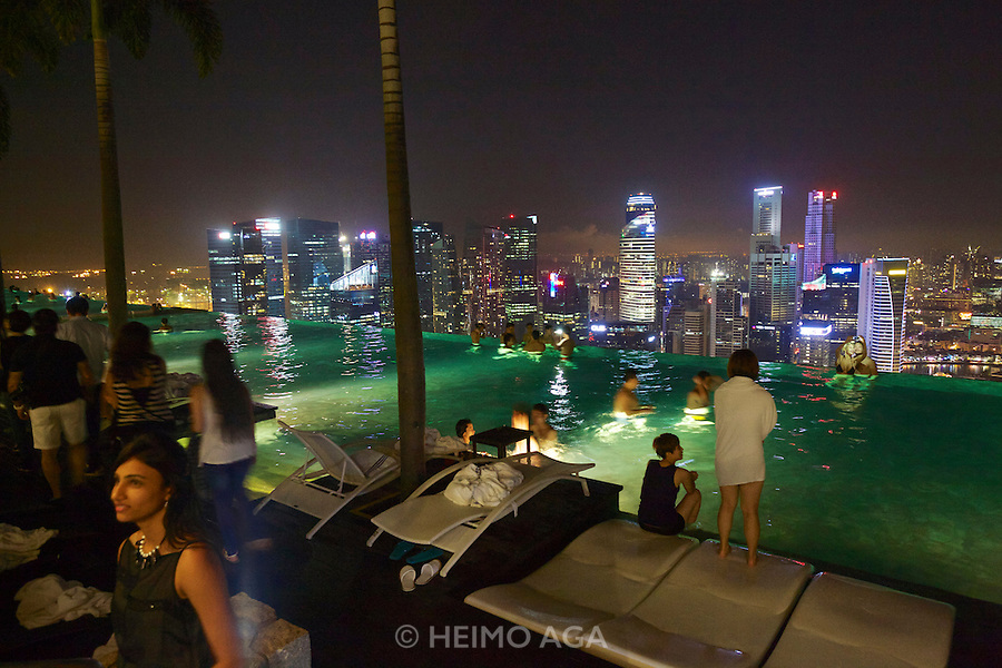 Singapore. Marina Bay Sands Hotel. The Pool offers a breathtaking view over Singapore at night.
