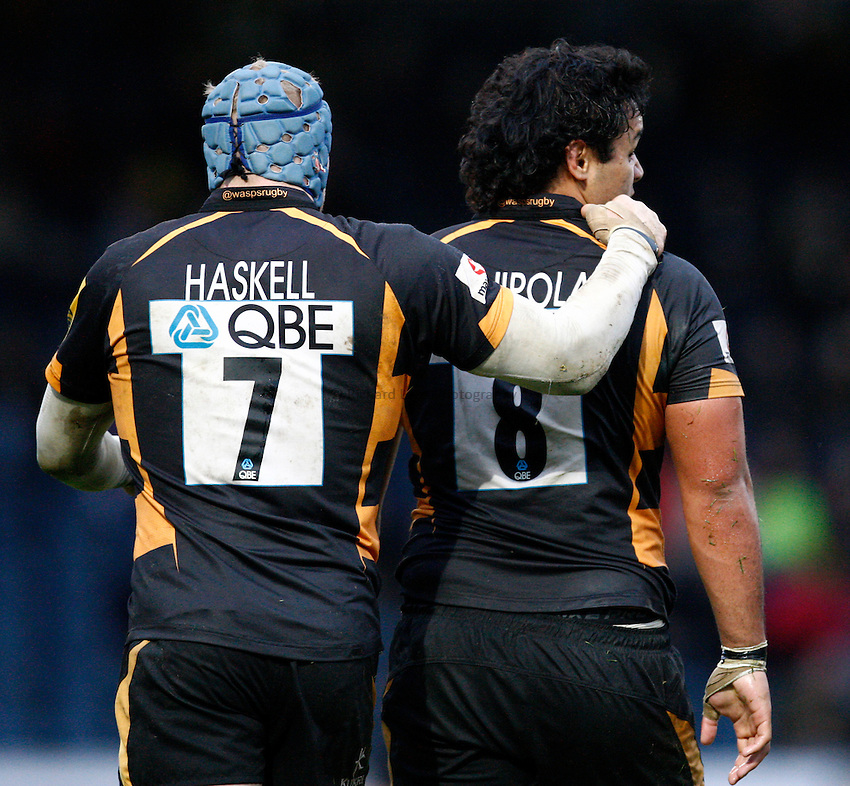 Photo: Richard Lane/Richard Lane Photography. London Wasps v Sale Sharks. 23/12/2012. Wasps' James Haskell and Billy Vunipola.