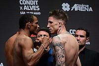 GOIÂNIA, GO, 29.05.2015 – UFC-GOIÂNIA – Francisco Massaranduba e Norman Parke durante pesagem para o UFC Goiânia  no Goiânia Arena em Goiânia na tarde desta sexta-feira, 29. (Foto: Ricardo Botelho / Brazil Photo Press)