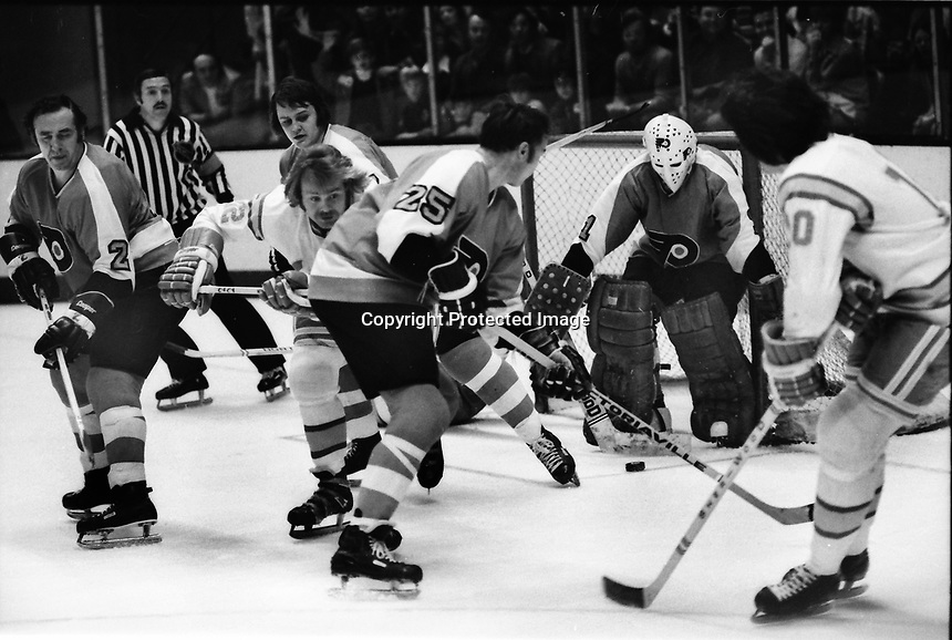 Philadelphia Flyers vs California Golden Seals 1975.<br />