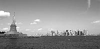 Impressions from the big apple - the melting pot New York NY statue of liberty / Freiheitsstatue / liberté . photo: Christin Kersten. ..Jegliche kommerzielle Nutzung ist honorar- und mehrwertsteuerpflichtig! Persönlichkeitsrechte sind zu wahren. Es wird keine Haftung übernommen bei Verletzung von Rechten Dritter. Autoren-Nennung gem. §13 UrhGes. wird verlangt. Weitergabe an Dritte nur nach  vorheriger Absprache..