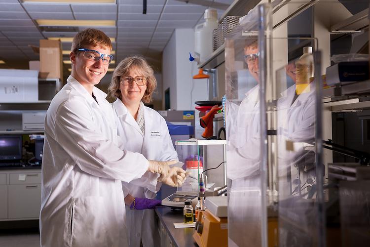 Professor Jennifer V.Hines, Biochemistry Research Facility Ohio University. © Ohio University / Photo by Jonathan Adams
