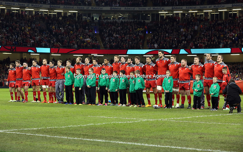 Pictured: The Wales team singing their national anthem. Saturday 15 November 2014<br />