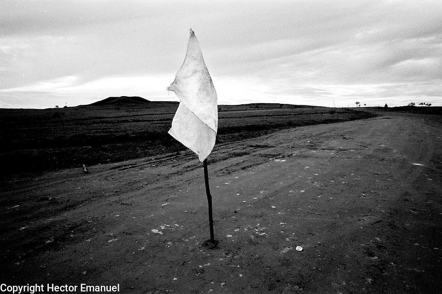 colombia1036 - FARC controlled territory (former demilitarized zone). La Macarena, june 2001<br />