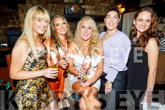 Megan Flynn from Ashleigh Downs, Rralee celebrating her 30th birthday in Sean Og's on Saturday.<br /> L to r: Kelly Taylor, Rachel MaryAnn Sale, Megan Flynn, Romano Scur and Grainne O'Sullivan.