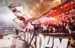 Stockholm 2014-04-16 Fotboll Allsvenskan Djurg&aring;rdens IF - AIK :  <br /> AIK supporter under matchen<br /> (Foto: Kenta J&ouml;nsson) Nyckelord:  Djurg&aring;rden DIF Tele2 Arena AIK supporter fans publik supporters glad gl&auml;dje lycka leende ler le