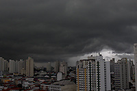 SAO PAULO, SP, 02/06/2013, NUVENS CARREGADAS. Nuvens carregadas nesse domingo (02) em Sao Paulo.. LUIZ GUARNIERI/BRAZIL PHOTO PRESS. SAO PAULO, SP, 02/06/2013, NUVENS CARREGADAS. Nuvens carregadas nesse domingo (02) a partir do bairro da Moóca em Sao Paulo.. LUIZ GUARNIERI/BRAZIL PHOTO PRESS. SAO PAULO, SP, 02/06/2013, NUVENS CARREGADAS. Nuvens carregadas nesse domingo (02) a partir do bairro da Moóca em Sao Paulo.. LUIZ GUARNIERI/BRAZIL PHOTO PRESS.