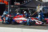 Verizon IndyCar Series<br /> Iowa Corn 300<br /> Iowa Speedway, Newton, IA USA<br /> Sunday 9 July 2017<br /> Marco Andretti, Andretti Autosport with Yarrow Honda makes a pit stop.<br /> World Copyright: F. Peirce Williams<br /> LAT Images