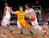 Ohio State Buckeyes guard Amedeo Della Valle (33) dodges North Dakota State Bison guard Mike Felt (3) during the first half of Saturday's NCAA Division I basketball game at Value City Arena in Columbus on December 14, 2013. (Barbara J. Perenic/The Columbus Dispatch)