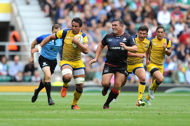 Marco Mama of Worcester Warriors attempts to outrun Jamie George of Saracens during the Aviva Premiership Rugby match between Saracens and Worcester Warriors at Twickenham Stadium on Saturday 03 September 2016 (Photo by Rob Munro/Stewart Communications)