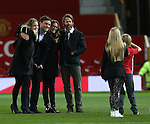 Julia Roberts (3r) and her husband Daniel Moder (4r) pose for photographs during the Premier League match at the Old Trafford Stadium, Manchester. Picture date: November 27th, 2016. Pic Simon Bellis/Sportimage