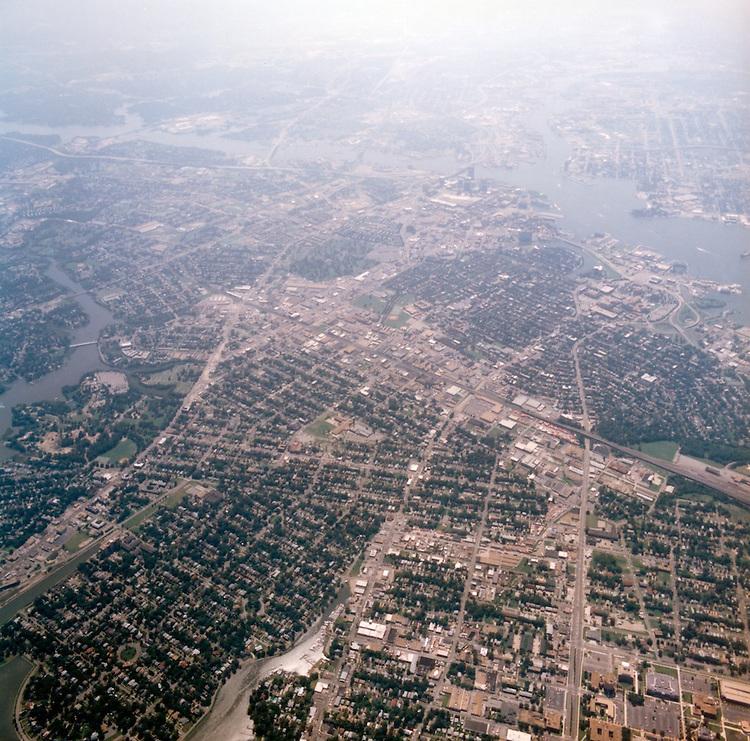 1998 September 05..Aerial..High altitude of census tracts around Elizabeth River in Portsmouth & Norfolk..Gene Woolridge.NEG# 11678 - 53.NRHA#..