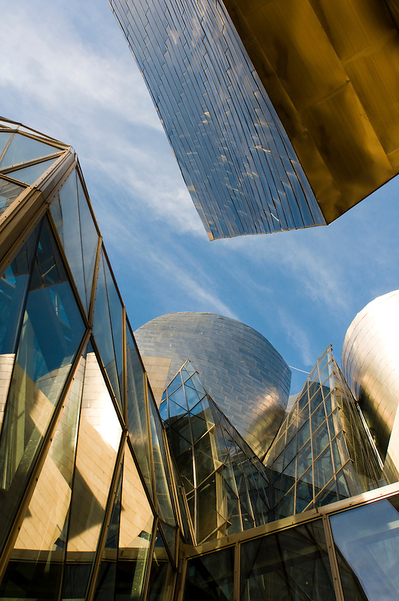 Guggenhiem Museum. Bilbao travel assignment National Geographic Traveler en Español. Bilbao, Spain, December 2008
