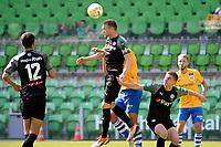 GRONINGEN - Voetbal, FC Groningen - de Graafschap, oefenduel, seizoen 2018--2019, 05-09-2018, <br /> FC Groningen speler Mike te Wierik kopt weg uit de defensie