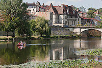 Europe/France/Aquitaine/24/Dordogne/Périgueux: les maisons dites : des quais sur les bords de l'Isle - Maison des Consuls depuis la voie verte