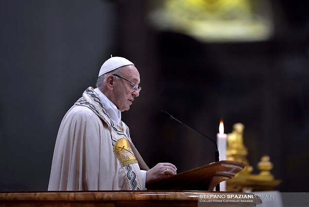 Pope Francis celebrates the Vespers and Te Deum prayers in Saint Peter's Basilica at the Vatican on December 31, 2017
