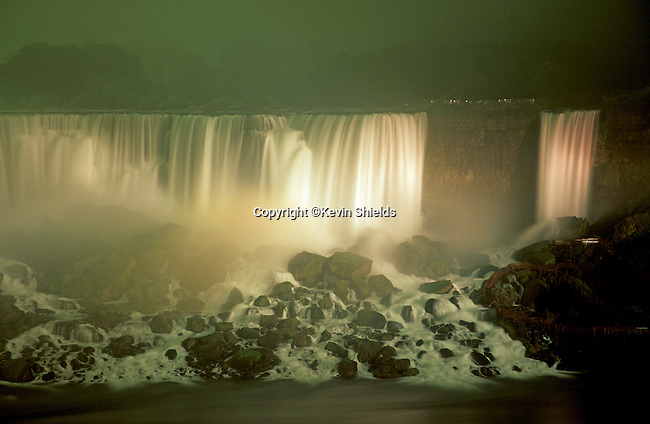 View of the American Falls at night, Niagra Falls, New York, USA