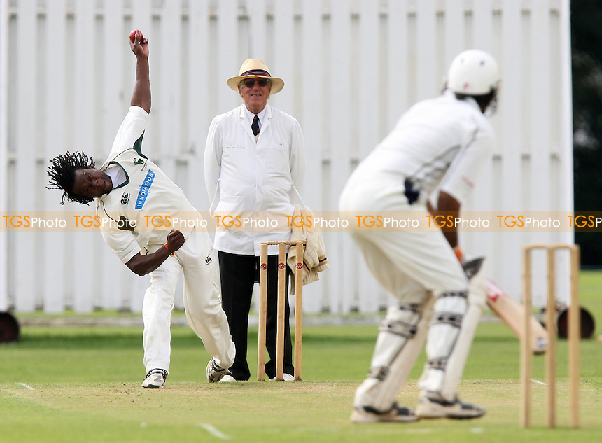 D Miller of GPR bowls to K Gill - Gidea Park & Romford CC vs Ardleigh Green CC - Essex Cricket League - 16/08/08 - MANDATORY CREDIT: Gavin Ellis/TGSPHOTO - Self billing applies where appropriate - 0845 094 6026 - contact@tgsphoto.co.uk - NO UNPAID USE.