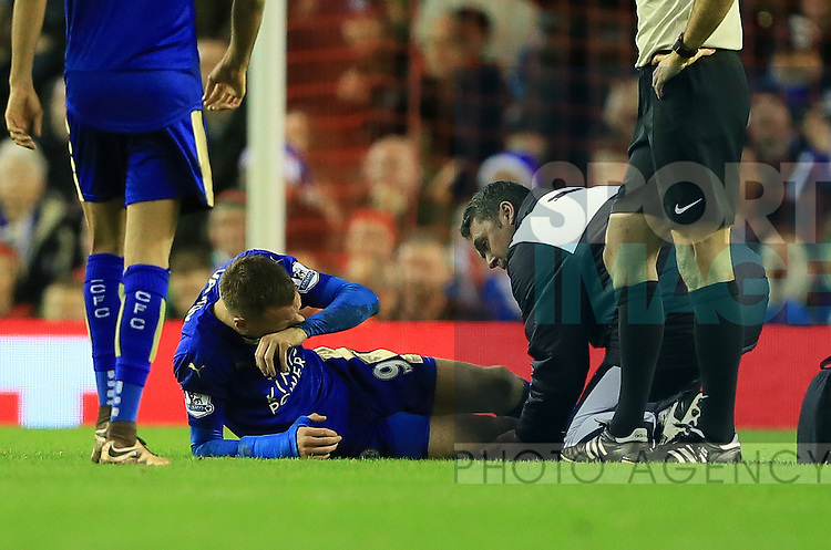 Leicester's Jamie Vardy goes off injured<br /> <br /> Barclays Premier League- Liverpool vs Leicester City - Anfield - England - 26th December 2015 - Picture David Klein/Sportimage