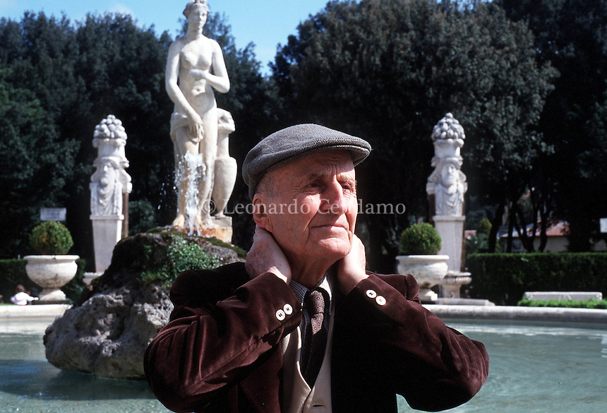 APR 2000, ROMA: MANLIO CANCOGNI, WRITER © Leonardo Cendamo